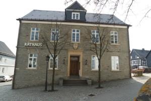 Rathaus Hallenberg Holzfenster Haupteingang1