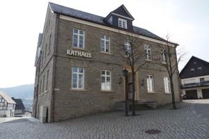 Rathaus Hallenberg Holzfenster Frontansicht